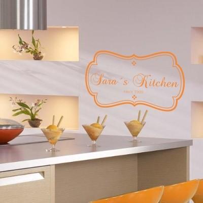 Adesivo murale nome in cucina stickers murali for Paraschizzi adesivo cucina